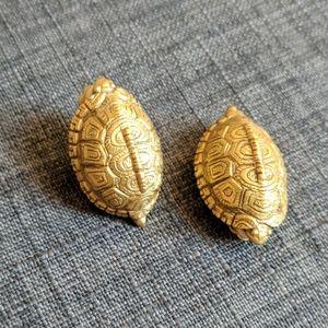 MMA Metropolitan Museum of Art 1995 Turtle Earring